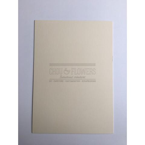 1 papier cartonné beige
