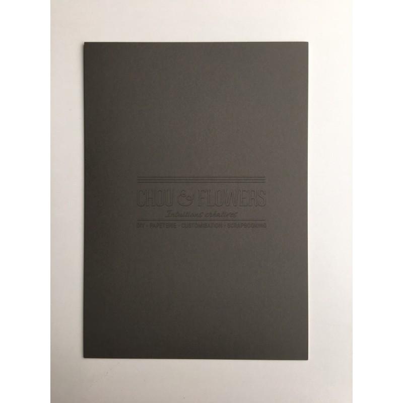 1 papier cartonné gris