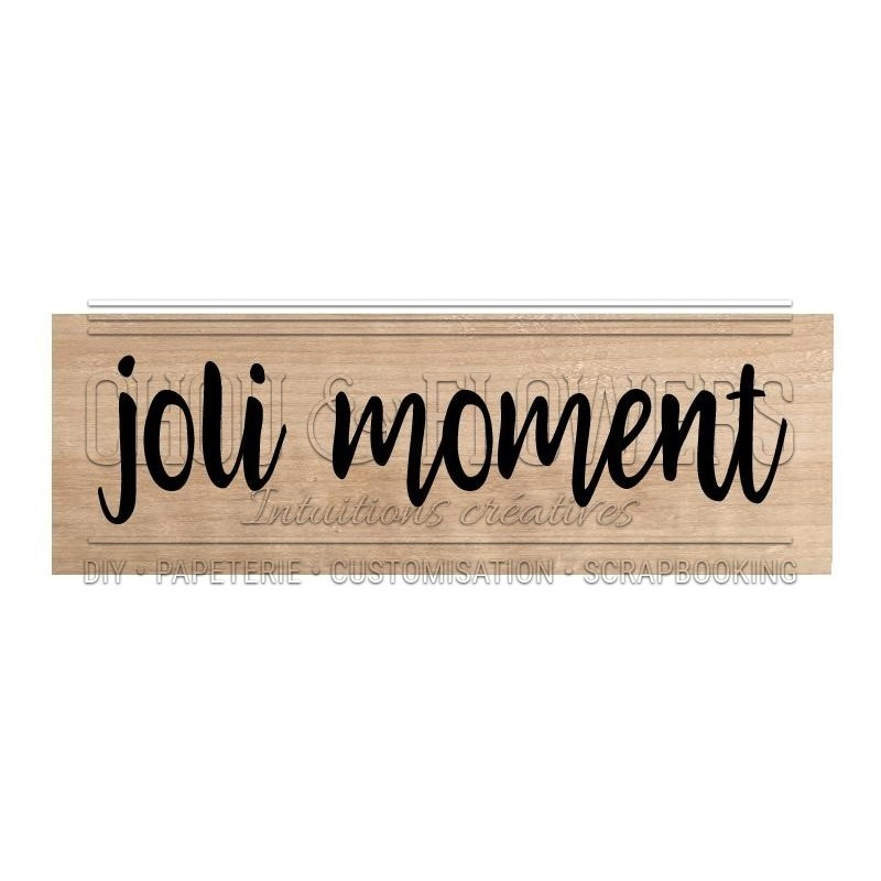 JOLI MOMENT
